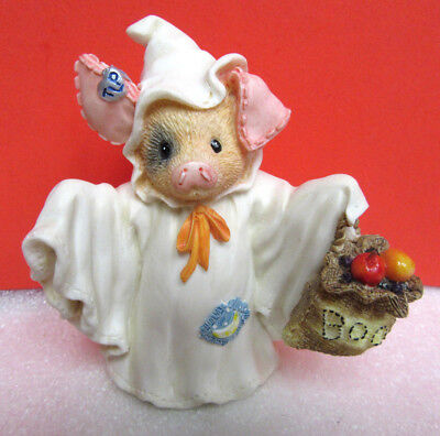 This Little Piggy SQUEAL WITH FRIGHT! Ghost Halloween Pig Figurine