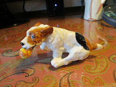 Royal Doulton Dog Puppy Running Catching Ball Figurine N. 1097 England