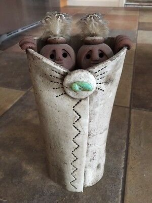 "Beautiful Lisa LaMonthe ""Pueblo Blanket People"" Pottery Clay Sculpture"
