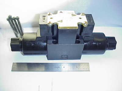 Delta Power Hydraulic Directional Control Valve Co3 32001007 110V Open Cent- Nos
