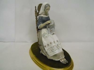 "Retired Lladro Porcelain Figurine 4865 Insular Embroideress with Base 11"" tall"