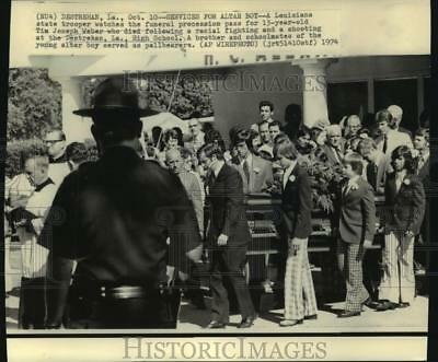 1974 Press Photo Friends and Family of Deceased Altar Boy Joseph Weber