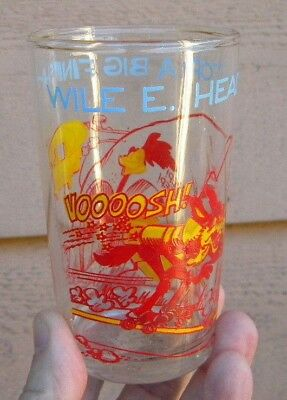 1974 Vintage WILE E. COYOTE Character Glass - ROAD RUNNER Warner Brothers