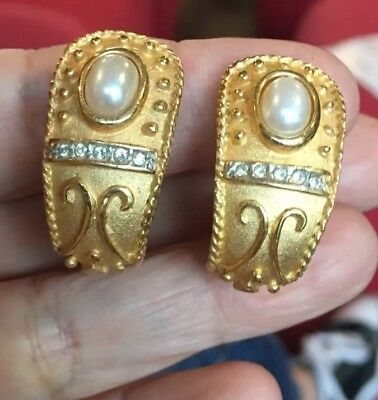 AMAZING VTG 80s 90s CHUNKY RUNWAY MATTE GOLD PEARL BYZANTINE ETRUSCAN EARRINGS