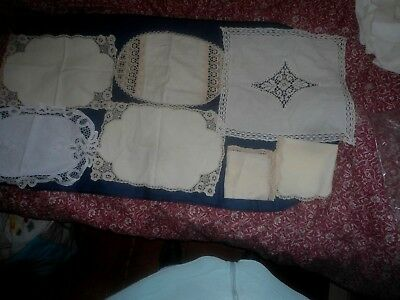 A Mixed Lot Of Lace Edged Table Centre's And Napkins 7 In Total