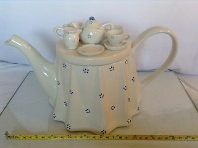 Tea Council Collectable Novelty Large Teapot Tea For Two In Lovely Condition