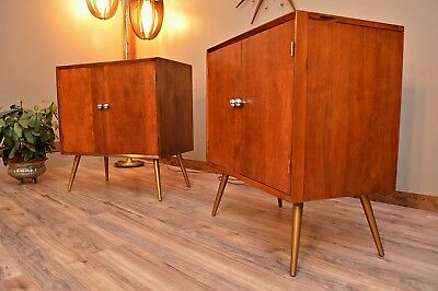 Pair of Mid Century Cabinets / Nightstands