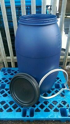 Plastic barrel 220lts, shipping,storrage,water butts,gardening,allotments