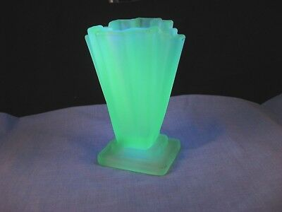 Art Deco British Vintage Green Uranium Bagley Glass Desktop Flower Posy Vase