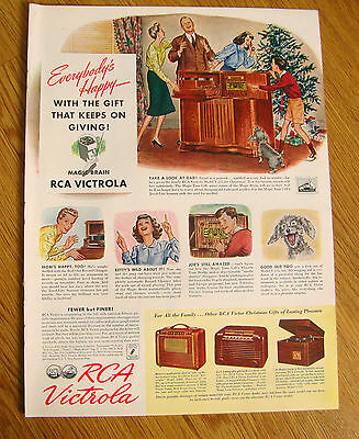 1941 RCA Victrola Radio Phonographs Ad 1941 G & W Whiskey Ad Flying Cross Medal