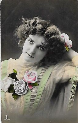 Postcard Vintage Young Women with Flowers 3835/4