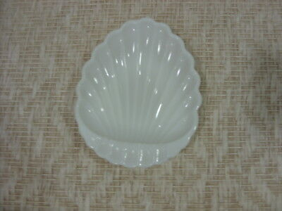 Vintage Milk White Glass Shell Shape Mint Soap Dish Nut Candy Tray Trinket Dish