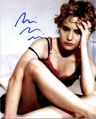 Jennifer Jason Leigh Signed 8x10 Picture Autographed Photo with COA