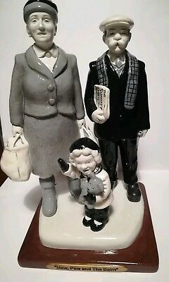"""""""The Broons: Maw, Paw & The Bairn"""" Collectable Figurines"""