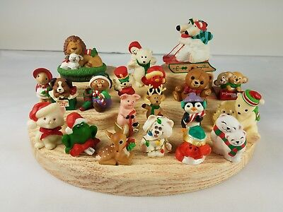 20 Christmas Hallmark Merry Miniatures Polar Bears Lion Presents Cat Frog Pig