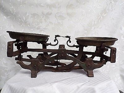 """Antique cast iron VERY RARE decorative ROBERVAL Scale with 6"""" Plates"""