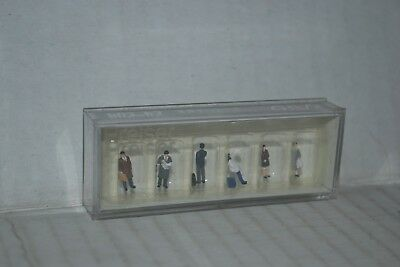 Kato 24-204 People N Scale