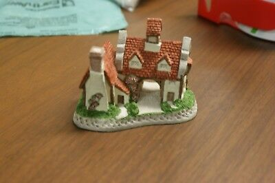 "David Winter ""the schoolhouse"" Figurine"