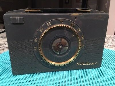 Vintage RCA Victor Model 2 B 400 Tube Battery Portable AM Radio Mid Century