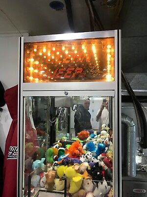 Clean Sweep Crane machine Claw Machine (Smart Industries) Works 100%