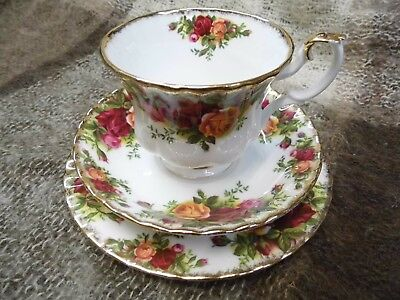 Royal Albert Old Country Roses Trio , cup , saucer & side plate Bone China.