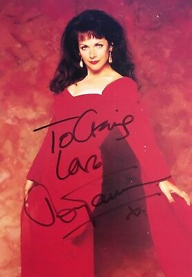 DR DOCTOR WHO SIGNED POSTCARD ** MARY TAMM Autograph
