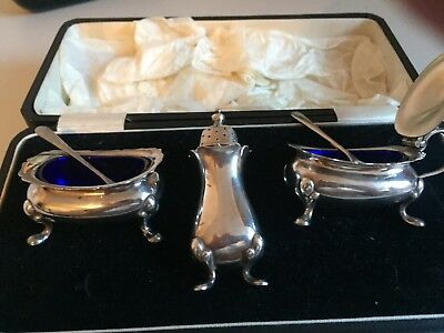 Boxed silver plated cruet set