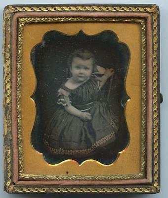 1840 CASED 9th PLATE DAGUERREOTYPE - DARLING, SMILING BABY GIRL - CUTESY DRESS