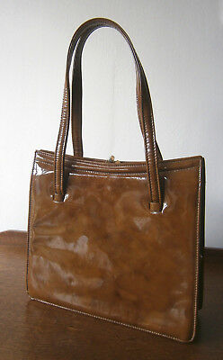 VINTAGE 1970s TOFFEE PATENT LEATHER HANDBAG BAG BRASS ELBIEF FRAME SUEDE LINING