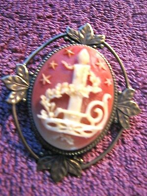 Vintage Antique OVAL Candle Garland Stars Christmas Cameo BROOCH PIN Brass Leaf