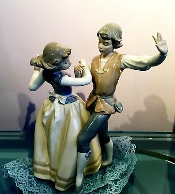 Lladro -5252 - Dancing The Polka- Waltz Girl And Boy Couple Duo - Rare - Retired