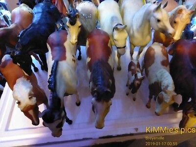 Breyer Model Horse Lot. 14 Traditional in very good tradition.