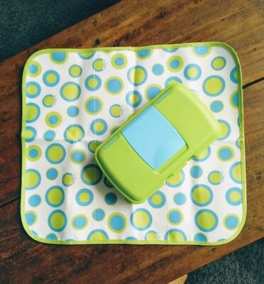 B. Box Baby nappy change mat & Wipes Carrier green/blue Brand New