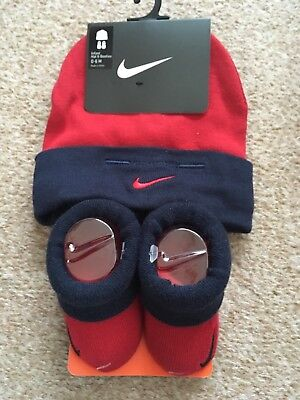 NIKE BABY Beanie HAT & BOOTIES Socks 0-6 MONTHS RED & NAVY NEW