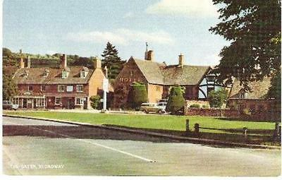 Broadway, Worcestershire - Green, hotels - Salmon postcard c.1960s