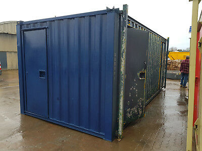 20x9 Container - 50/50 Toilet and Drying Room