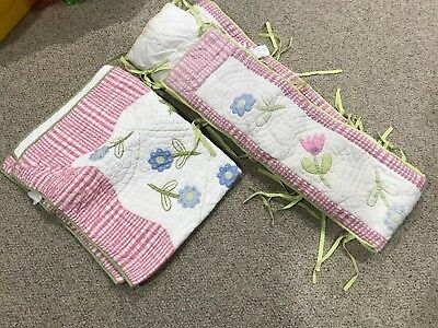 Pottery Barn Kids - Crib Bedding - Bumper and Quilt (Girls, Pastels, Flowers)