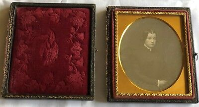 1/6 PLATE DAGUERREOTYPE with CASE - Beautiful Young Lady