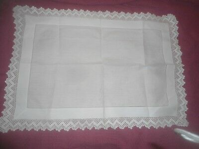 """A Very Pretty  White  Linen And Lace Tablecloth 27"""" X 19"""""""
