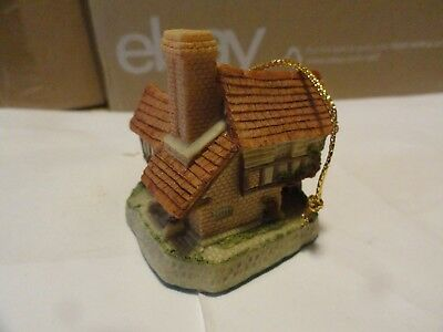 """(W-6) David Winter Cottages """"ornament-Tomfool's Cottage""""  With Box"""