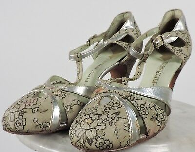 Antique 1930'S Floral Brocade Lame Shoes With Silver Trims