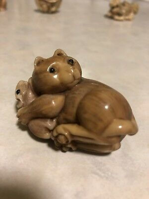 Small Japanese Hand Carved Cat and Mouse figure Netsuke Okimono Signed Resin?
