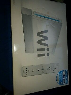 Nintendo Wii With Wii Sports In Original Box With Remote And Nunchuck FAST SHIP