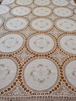 Dainty Vintage Tablecloth Delicate Crochet Lace With Repeat Embroidered Doilies