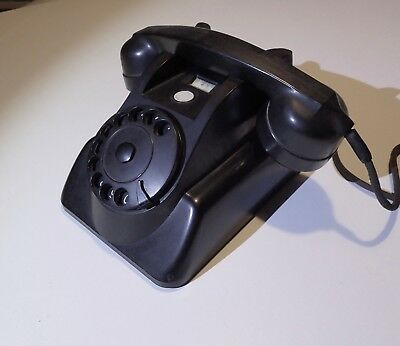 Vintage Philips model 1955 bakelite Desk Telephone