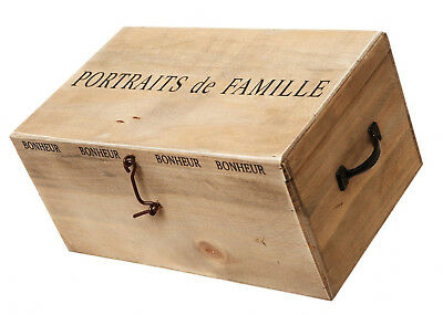 Picture Albums in Wooden Box - Portrait De Famille - Photo Storage Chest