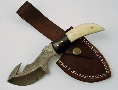 Full Tang Damascus Skinner Hunting Knife with Gut Hook & Buffalo Bone and Horn