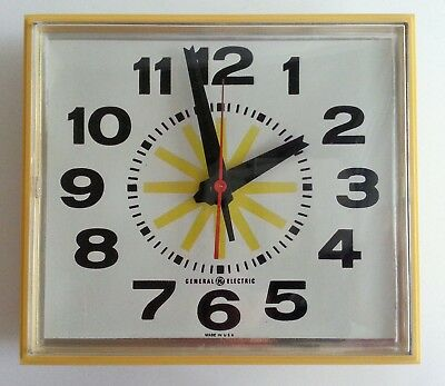 VINTAGE GENERAL ELECTRIC GE Kitchen Wall Clock Yellow Square ...