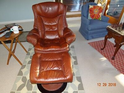 Pleasant Lane Leather Recliner With Matching Leather Ottoman Evergreenethics Interior Chair Design Evergreenethicsorg