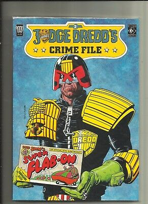 Judge Dredd's Crime File #2 .  Titan Books / 2000AD .